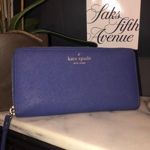 💯 Authentic Kate Spade Wallet